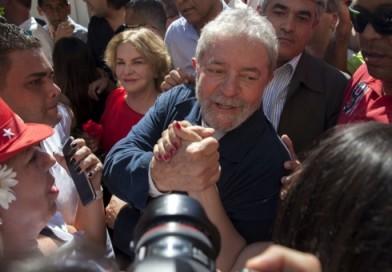 Erguido de dignidad Lula cumple 500 días de prisión política