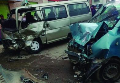 Chófer ebrio provoca accidente de tránsito y deja dos heridos