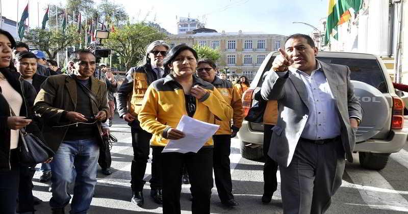 Chapetón pide a Evo incluir sus proyectos en el programa 'Bolivia Cambia'
