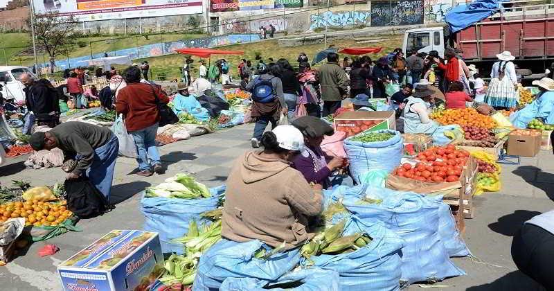 Feria del 'Precio y Peso Justo' se desarrolla este viernes en El Alto