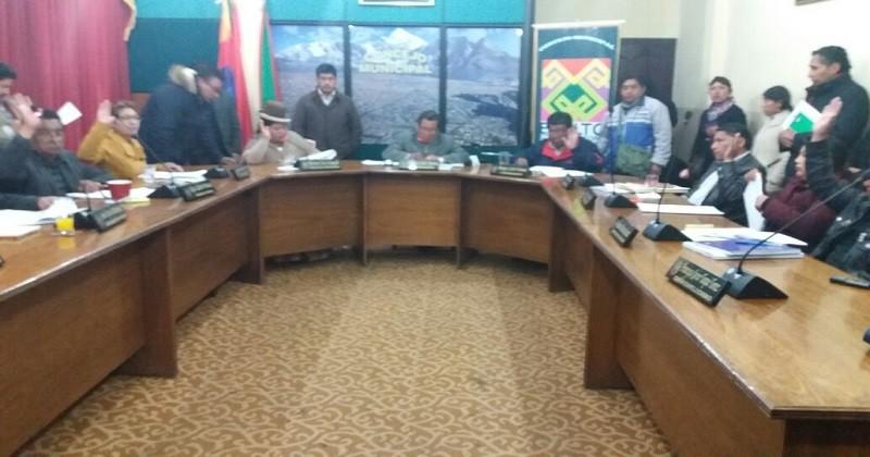 Concejo Municipal aprueba contrato de supervisión técnica para la construcción embovedado Rio Larkajawira