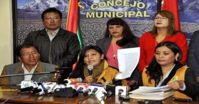 ALCALDESA DENUNCIA LA PERDIDA DE 24 MILLONES DE BOLIVIANOS EN LA ANTERIOR GESTION (1) (1)