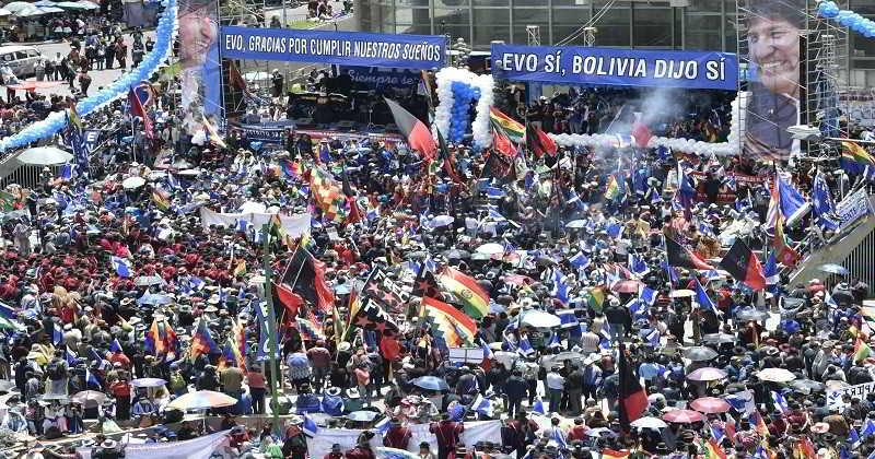 Resultado de imagen para marcha Día de la Democracia Boliviana
