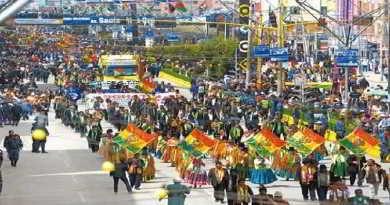 desfile-6 de marzo- aniversario