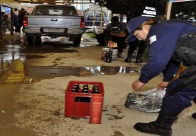 Policía encuentra a 300 jóvenes consumiendo alcohol en un bar clandestino de Puente Vela
