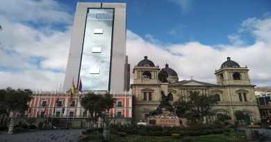 García Linera afirma que nuevo palacio es del pueblo y acusa a periódico de mentir