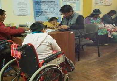 Inician pago de bono a personas con discapacidad en El Alto
