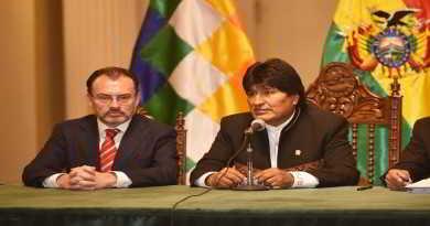 Bolivia venderá quinua a México de manera directa y estudiantes de medicina recibirán becas
