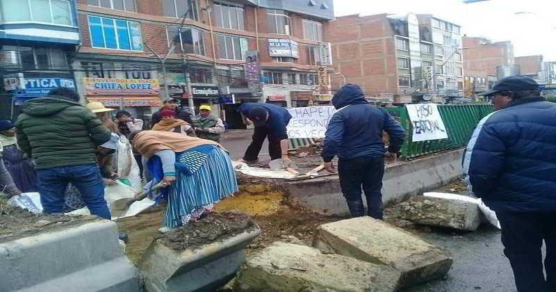 vecinos- destrozo jardinera calle 2