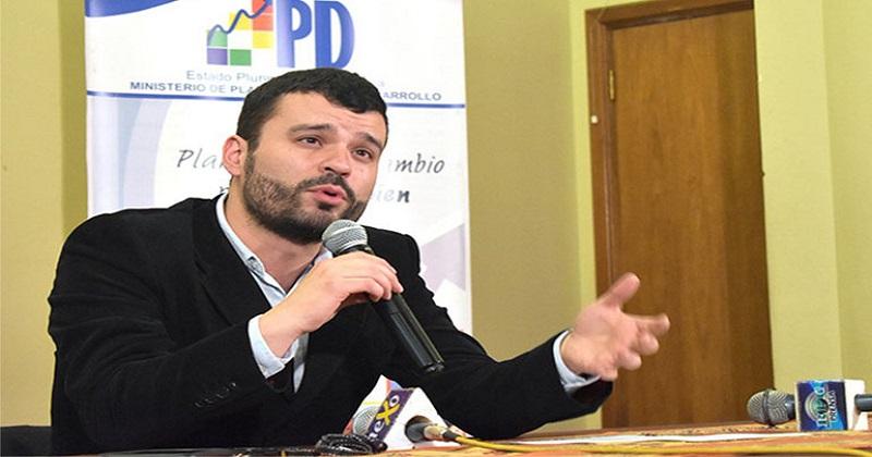 """Canelas asegura que la diferencia entre el proyecto político de Morales y Mesa es """"la calle"""""""