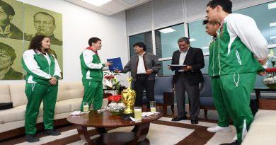 Raquetbolistas triunfadores en Barranquilla reciben incentivo económico del Gobierno