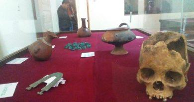 Entregan en custodia a Municipio de Viacha más de 300 piezas arqueológicas