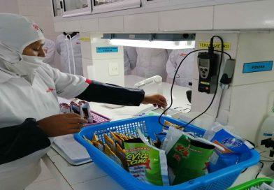 Alcaldía supervisa a empresa proveedora del alimento complementario