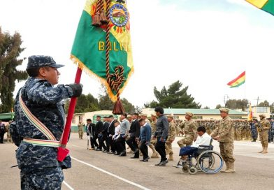 Personas con discapacidad reciben Libreta de Servicio Militar