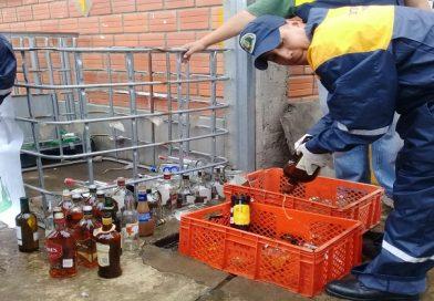 Intendencia Municipal de El Alto destruyó 8.600 unidades de bebidas alcohólicas