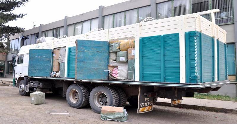 Incautan 132 vehículos indocumentados y alimentos de contrabando en fronteras con Chile y Perú
