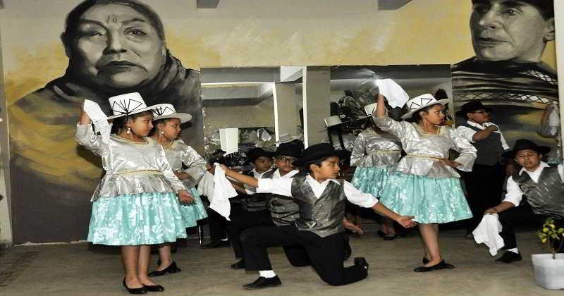 Reabren centros culturales con actividades en educación, danza y canto