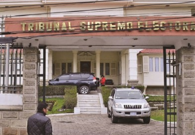 Tras revelar encuesta, el MAS defiende a Arce y Murillo le pide «coherencia» al TSE