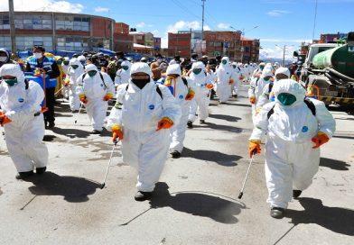 Más de 200 personas fumigarán las calles  de El Alto para combatir el Covid-19