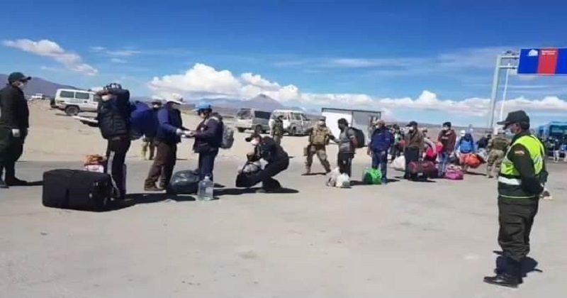 Canciller afirma que compatriotas bolivianos que retornaron de Chile cumplirán una «estricta cuarentena»