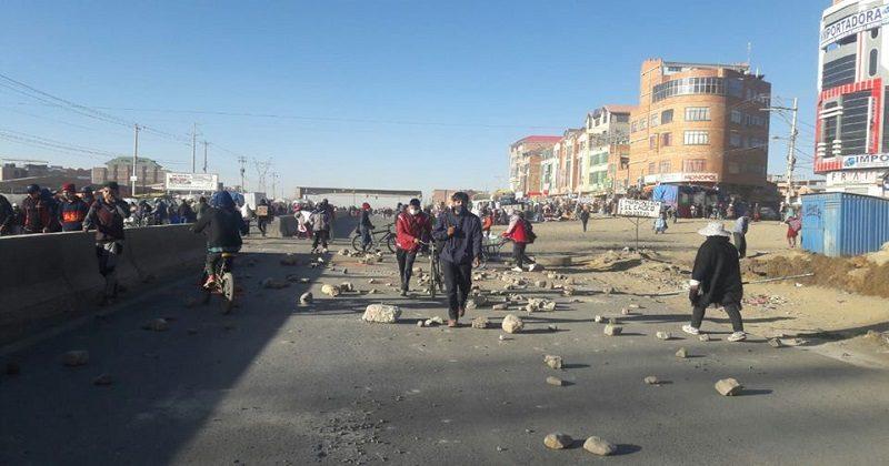 Fejuve La Paz mediará ante su par de El Alto para que levanten bloqueos