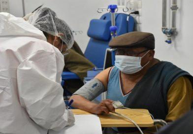 Ministerio de salud amplía plan de vacunación masiva en beneficio del adulto mayor