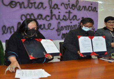 Municipio firma convenio con Mujeres Creando para mejorar la atención en los SLIM's